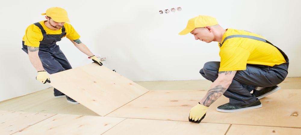 installing plywood flooring